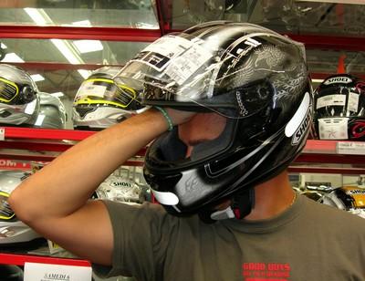 Выбор размера шлема - ТАК БЫТЬ НЕ ДОЛЖНО! Влазит целая рука!