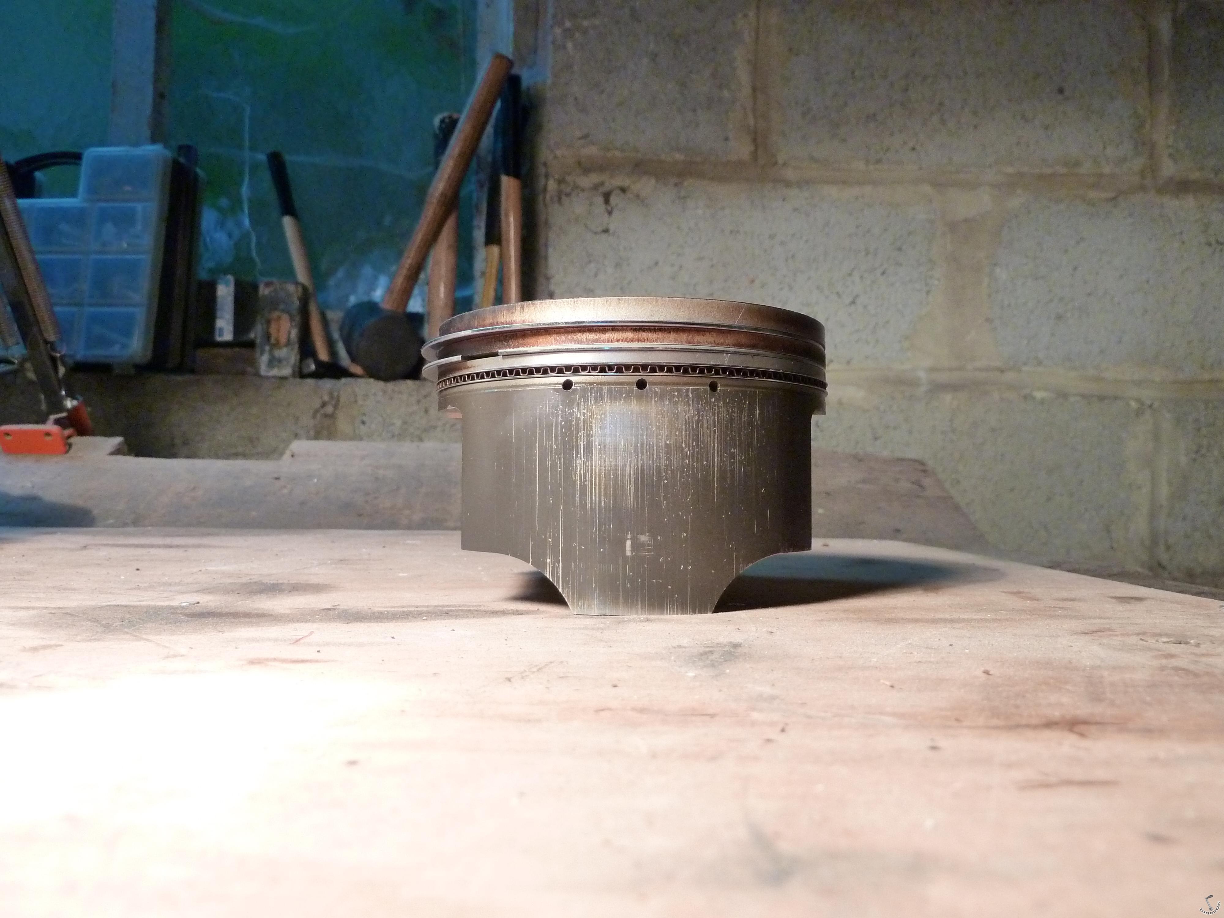 бетон поршень